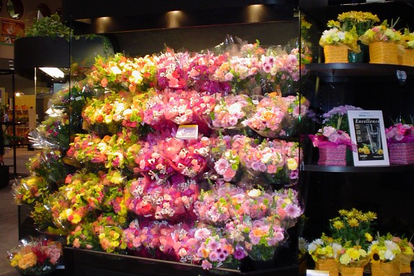 Flower Bouquet Display Case | Wedding Tips and Inspiration