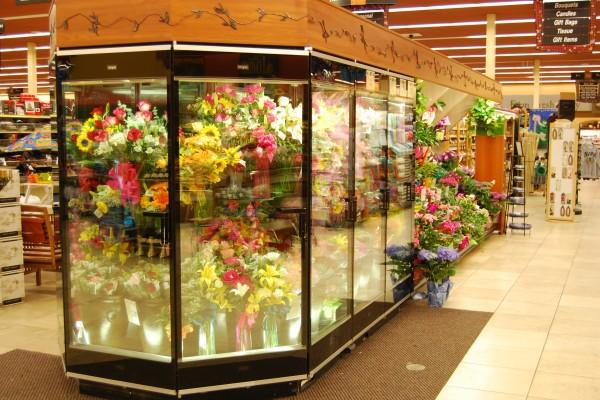 Six door wrap floral display case from Borgen