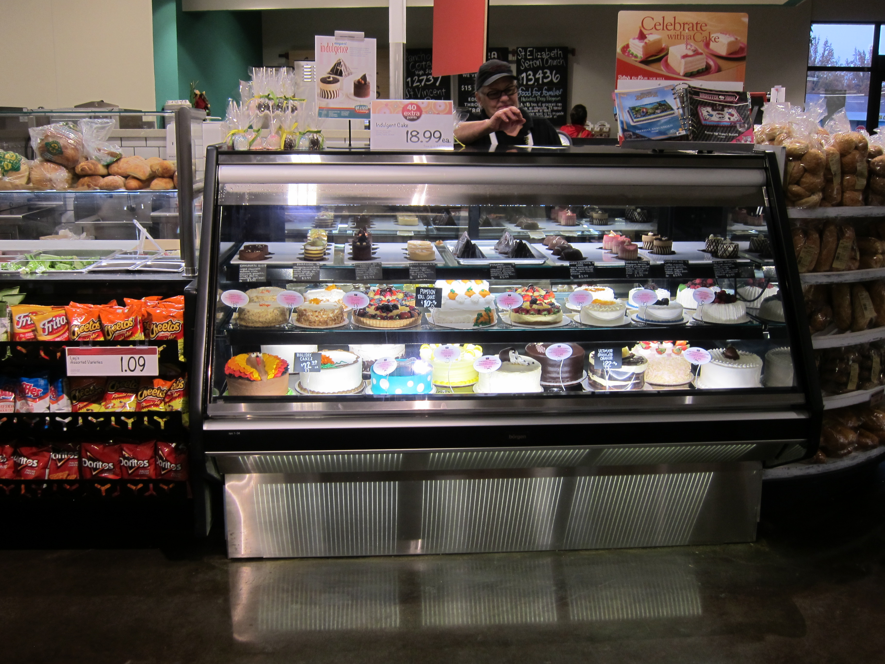 Bakery Display Case With Flat Glass Borgen Systems