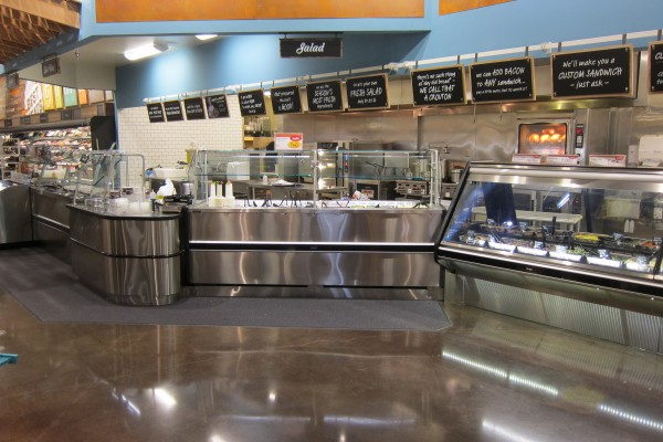 Angled salad bar with soup bar - Borgen Systems