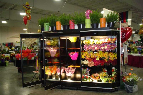 2 door floral combination case, Borgen Merchandising Systems