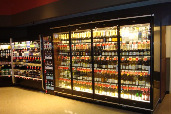 Supermarket wine display case, Borgen Merchandising Systems