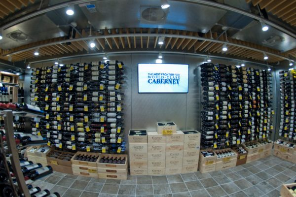 27FT Wine Cellar - Int video monitor